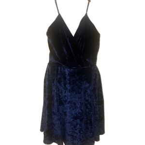 2/$20 🛍️ NWT- Revamped Blue Dress